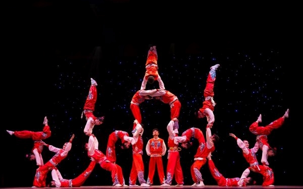 Golden Dragon Acrobats: Cirque Ziva