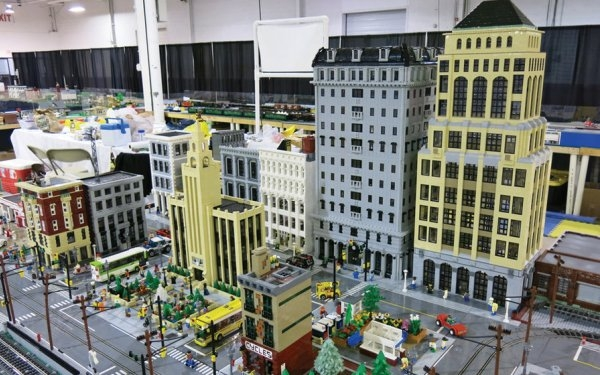 LEGO Brickfest Live