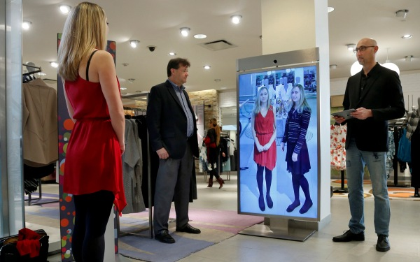 With smart mirror, shopping trips become solo fashion shows