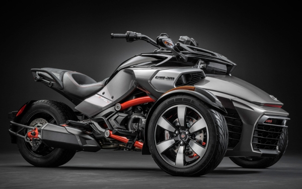 Can-Am Spyder review: Newbies may dig it, serious bikers, not so much