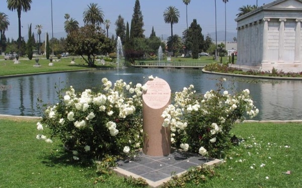 Hollywood Forever Cemetery Walking Tour
