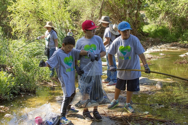 FoLAR  29th Annual LA River Cleanup is BACK on April 14, 21, 28 2018. Register Now!