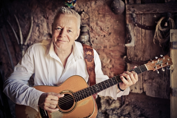Tommy Emmanuel with Special Guest Jim and Morning Nichols