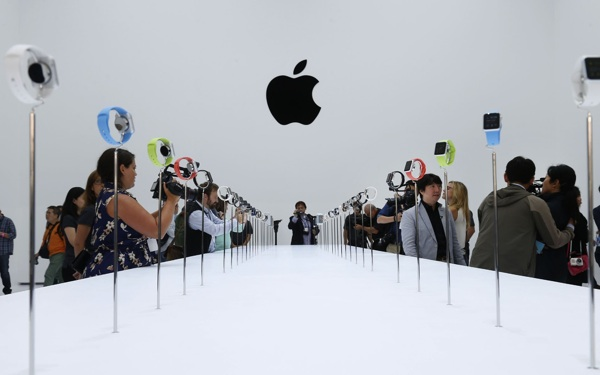 Sorry, Apple: You're Just Not That 'Cool' Anymore (at Least, Not to Students)