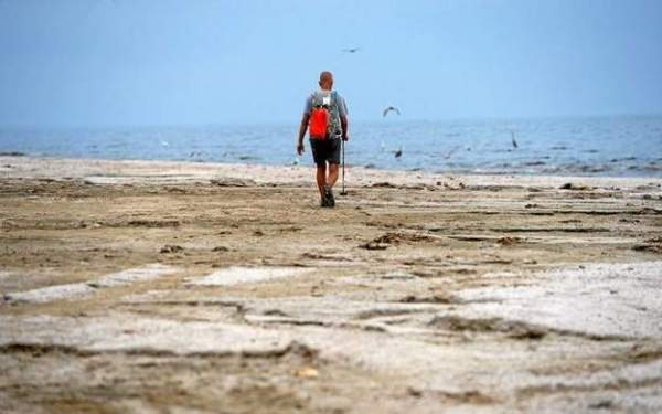 Rancho Cucamonga man's 116-mile walk around Salton Sea begins