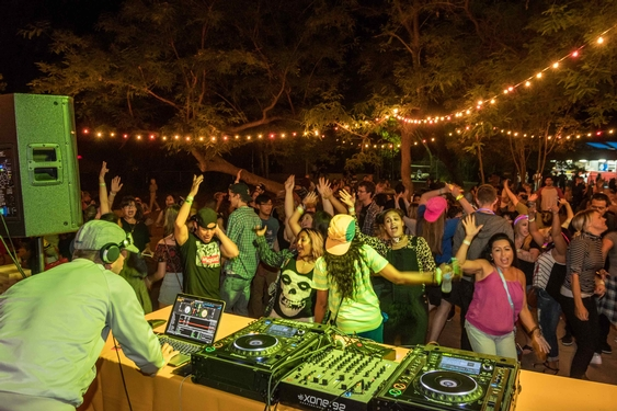 L.A. Zoo's 21-and-over Summer Entertainment Series Kicks Off On Friday, June 28th