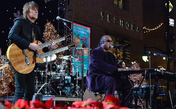 Watch Stars at 82nd Annual Hollywood Christmas Parade