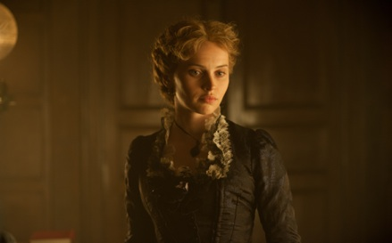 Ralph Fiennes' <i>The Invisible Woman</i>: The Price You Pay for Being the Other Woman
