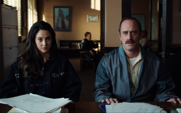 Christopher Meloni Talks the 'The American Dream' in <i>White Bird in a Blizzard</i>