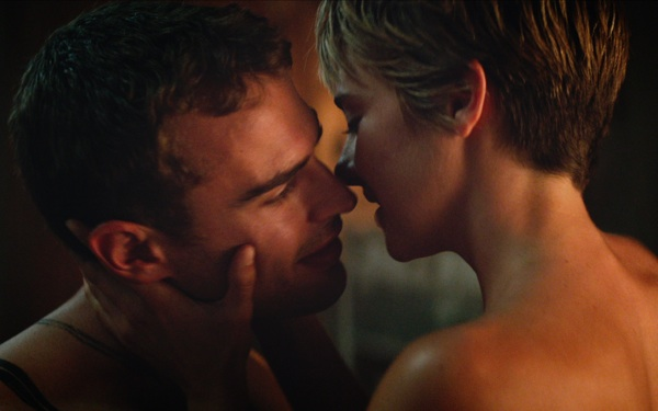 WATCH: Action & Romance Heat Up in New <i>Insurgent</i> Trailer