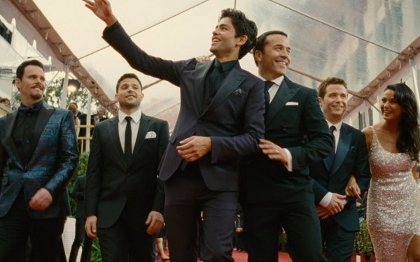 The <i>Entourage</i> entourage reunites on the big screen