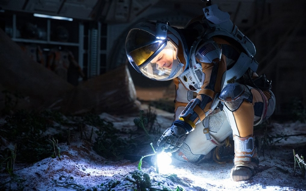 Matt Damon says new film 'The Martian' is 'a very positive thing to put out in the world'