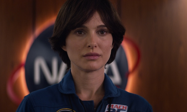 Natalie Portman stays on course in the fascinatingly messy 'Lucy in the Sky'