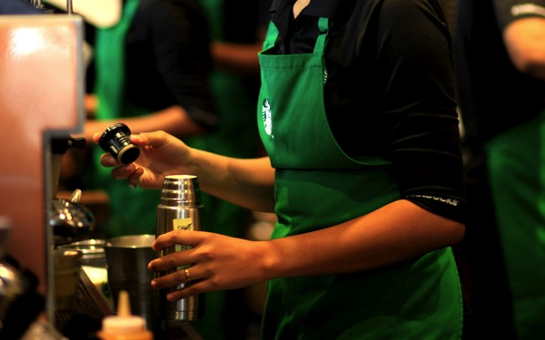 Starbucks Says 2,000 Staffers Apply for Online College Program