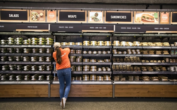 How does the food actually taste at the only Amazon Go's checkout-free store? Let's check it out