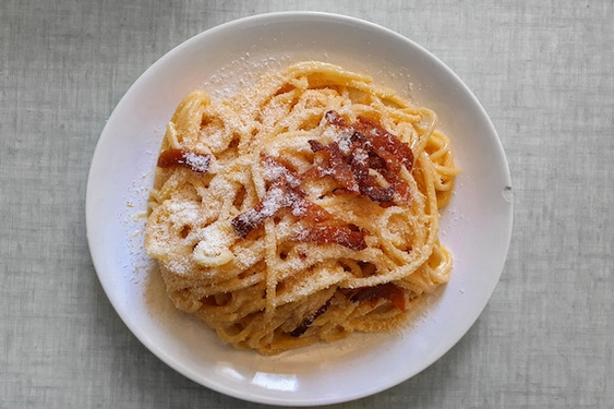 Top Italian chef's easy recipe for spaghetti carbonara at home