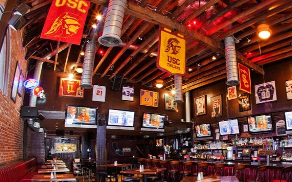 USCs 901 Bar Considered One Of The Best American College Bars