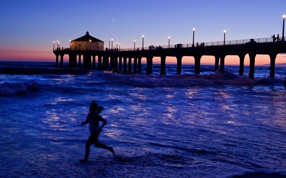 Battle of the Beaches: Does Hermosa or Santa Monica Have the Best Nightlife?