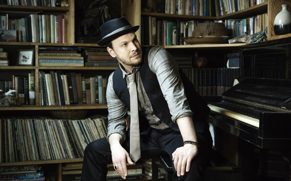 Gavin DeGraw is Making His Move