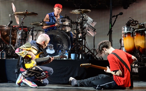 Red Hot Chili Peppers Warming Up For a New Album