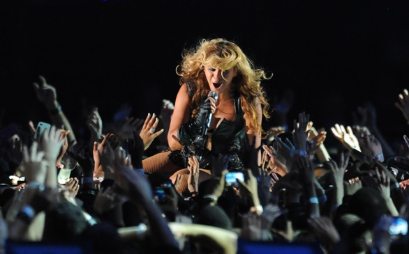 Beyoncé Makes <i>Billboard</i> History with New Album