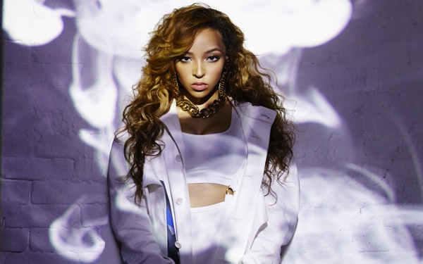 R&B Songstress Tinashe Stuns on Her Debut Album, <i>Aquarius</i>
