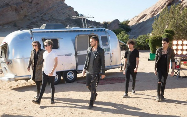 One Direction, Danny DeVito Have Random Fun in Band's 'Steal My Girl' Music Video