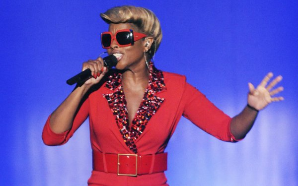 Creative Disruption from Blige to Swift Upends Music World in 2014