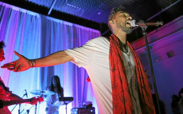 Miguel talks race, sex and more during intimate Sonos Studio L.A. concert