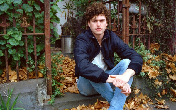 Vance Joy on playing stadiums with Taylor Swift: 'It's been a trial by fire'