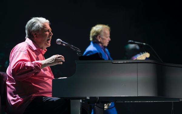 Brian Wilson brings Pet Sounds Live tour home to L.A. Good vibrations indeed