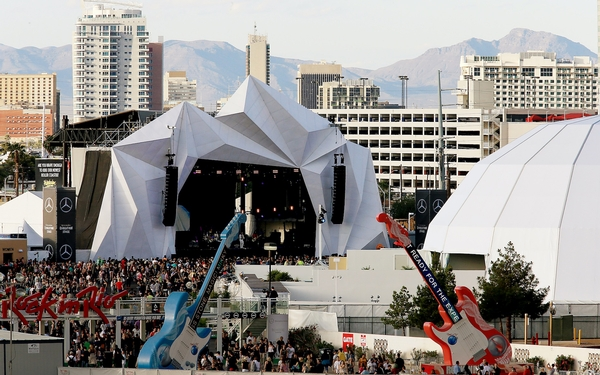 Promoters reassessing big music festivals
