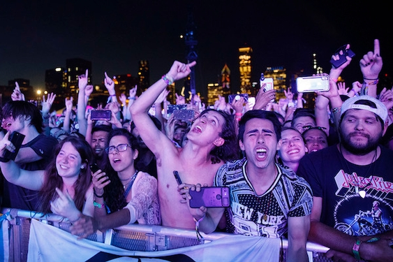 12 rules every concertgoer should follow (especially tall, chatty or gassy ones)