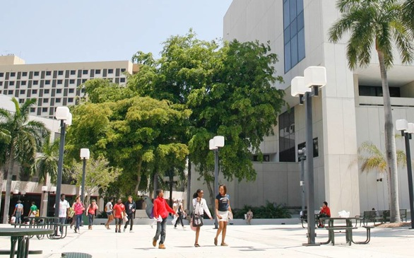 15 Cuban Students Begin Classes at Miami Dade College