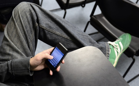 90% of College Students Use Electronic Devices During Class for Recreational Purposes