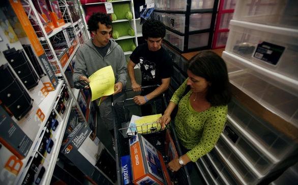 Stores Offer College Registries to Make Back-to-School Shopping Easier