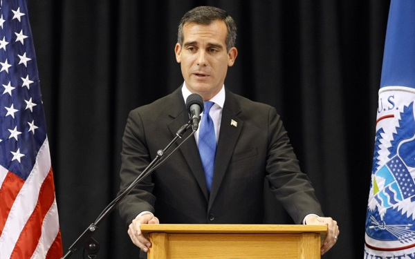Mayor Garcetti Hopes to Pass $13.25 Minimum Wage in L.A. by Early 2015