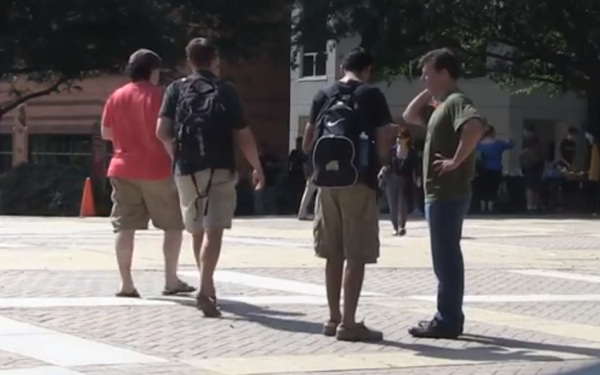 WATCH: College Students Sign Petition Supporting ISIS
