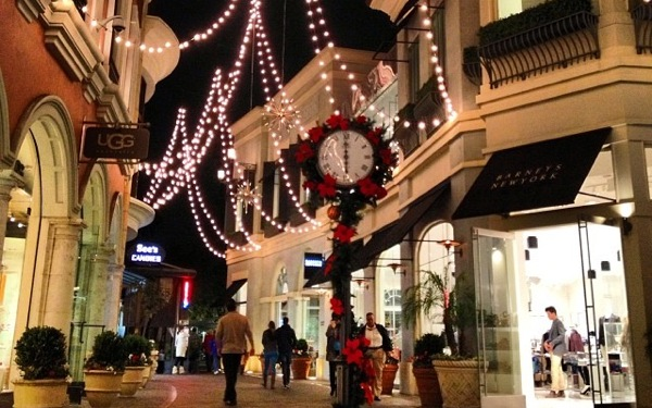 Uber to Offer Free Rides to The Grove, Americana this Holiday Season