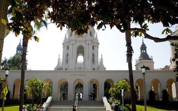 Pasadena fires 2 city executives in $6-million embezzlement case