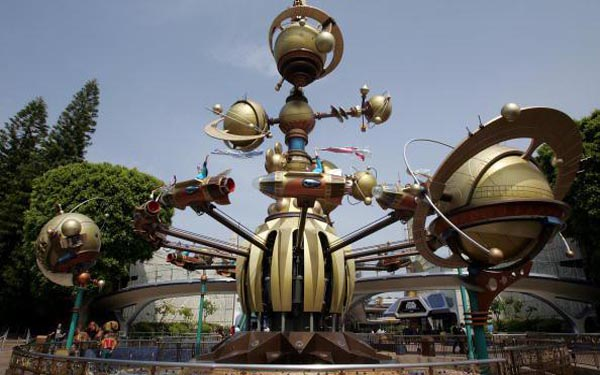 Disneyland to close Innoventions hall; What next for Tomorrowland?