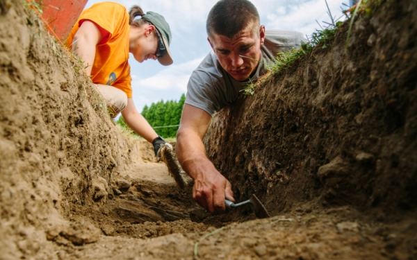 Digging it: Student archeologists unearth history at fort