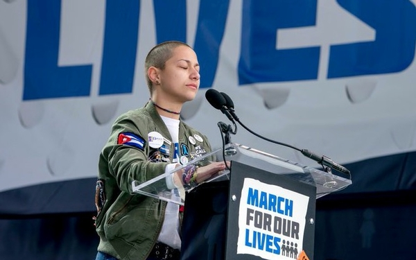 Emma Gonzalez leads remarkable moment of silence at Washington march