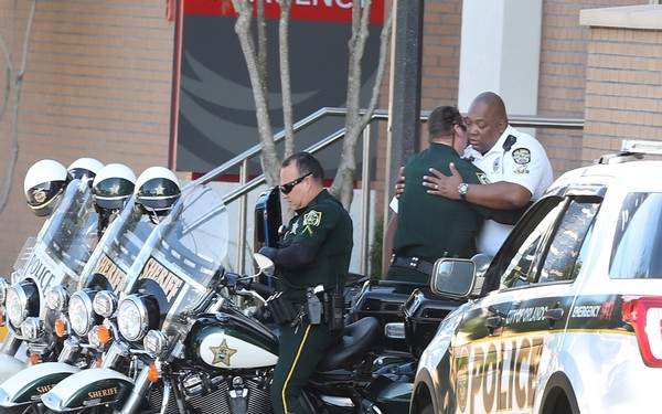 4 children, gunman found dead 24 hours after Orlando standoff began