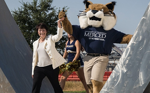 UC Merced chancellor, who brought big ambitions to the small campus, to step down