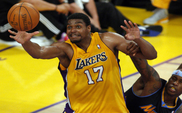Lakers Pick Up $16.1M Option on Andrew Bynum