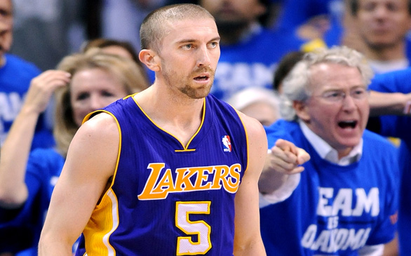 Lakers Point Guard Steve Blake Suffers Foot Injury