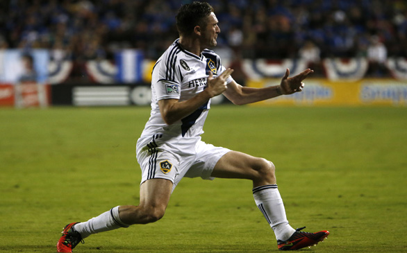 Galaxy Loses to Sounders, 2-1, But Advances to MLS Championship Game