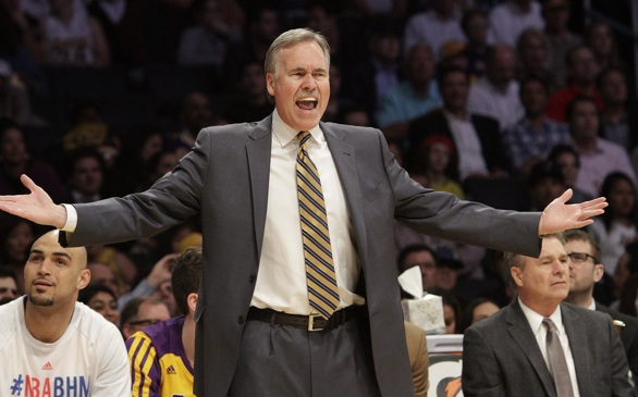 Mike D'Antoni Resigns as Lakers Coach
