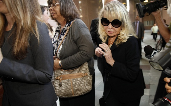 For Donald Sterling in Court, it's Looking Desperate, Ugly